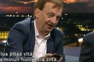 El líder de Nokia tira un iPhone en televisión nacional